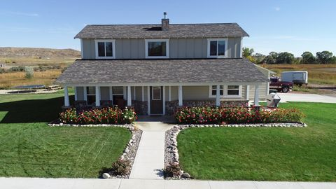 11 Aspen Ct, Ranchester, WY 82801