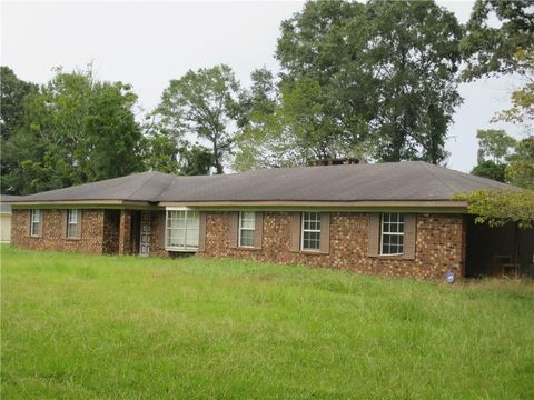 Photo of 19610 Hester Dr, Citronelle, AL 36522
