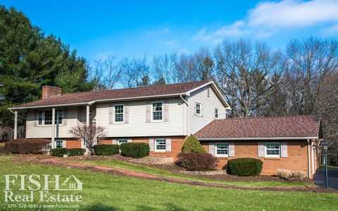 149 Brentwood Dr, Cogan Station, PA 17728