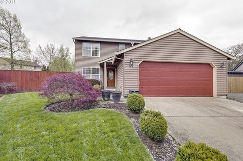 Photo of 1420 Marlys Ct, Forest Grove, OR 97116