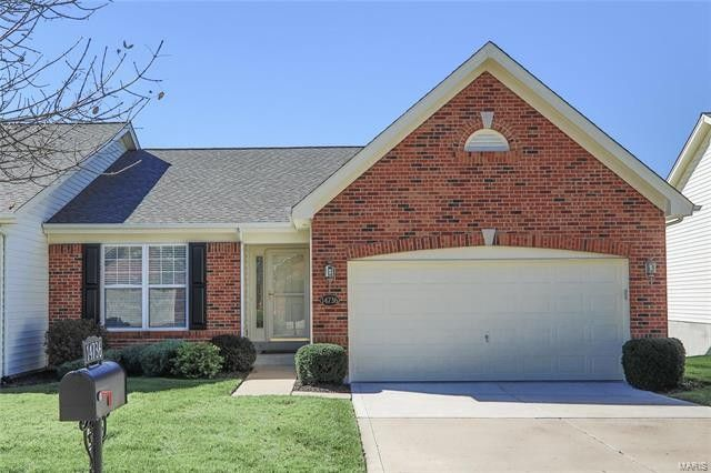 14736 Ladue Bluffs Crossing Dr, Chesterfield, MO 63017