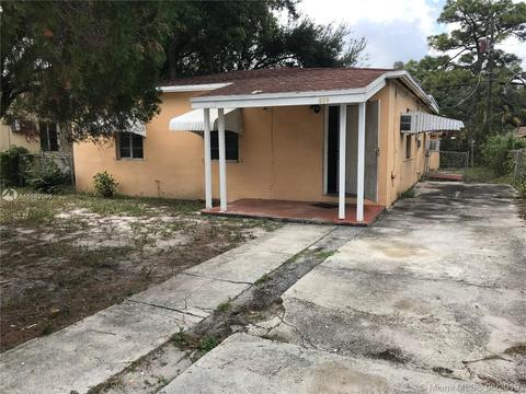 809 NW 15th Ter, Fort Lauderdale, FL 33311