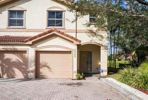 2565 Riverside Dr, Coral Springs, FL 33065