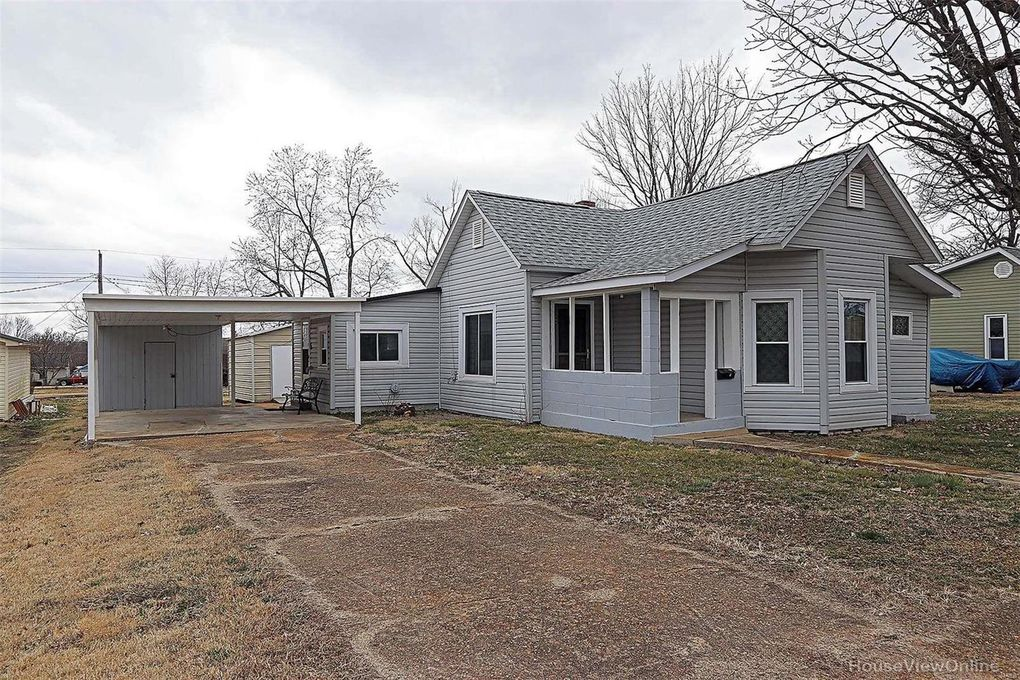 107 S Country Lane Dr Desloge, MO 63601