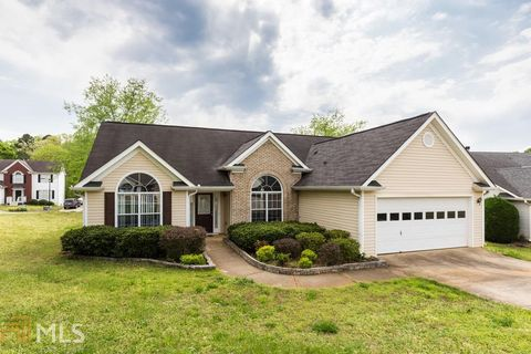 Photo of 1444 Alamein Dr, Lawrenceville, GA 30046