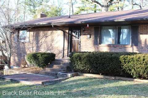 Photo of 7 Rodgers Pl, Asheville, NC 28806