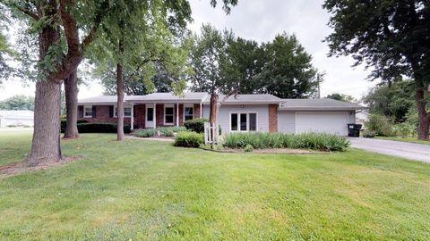 Photo of 114 S Foster St, Illiopolis, IL 62539