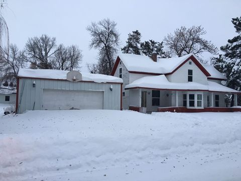 Photo of 408 W Jackson St, Parkers Prairie, MN 56361
