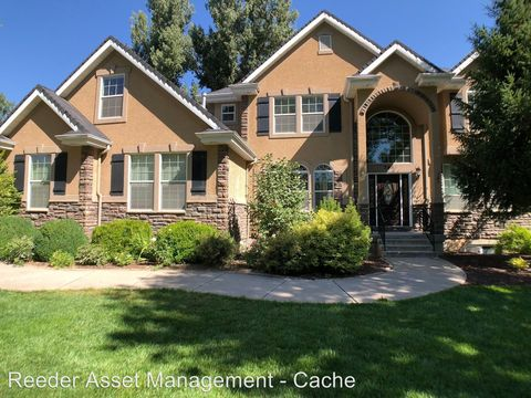 Photo of 345 Riverdale Ave, River Heights, UT 84321