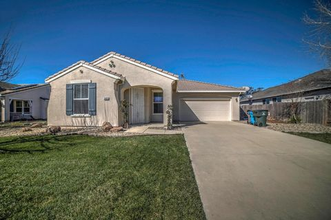Photo of 2460 Empire Ct, Plumas Lake, CA 95961