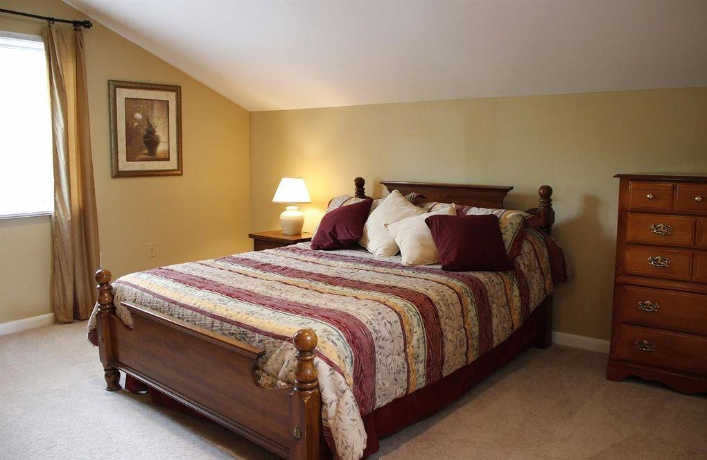 1565 Fay Rd, Goshen Township, OH 45140 - Bedroom