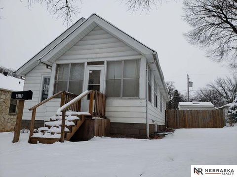 3115 N 56th St, Omaha, NE 68104