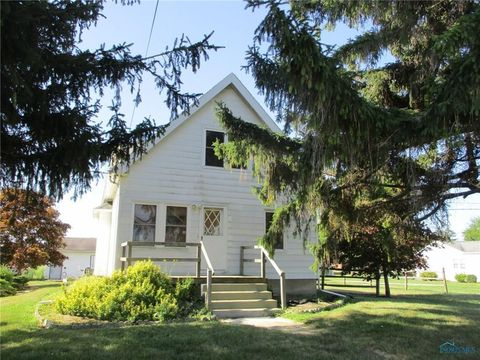 6630 Brown Rd, Oregon, OH 43616
