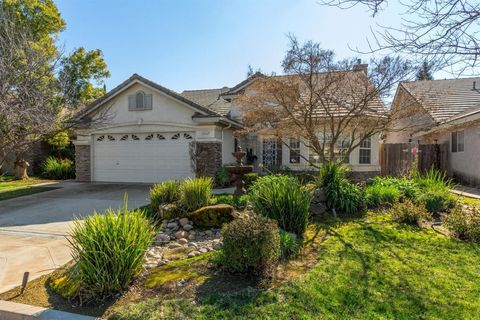Photo of 2423 E Rush Ave, Fresno, CA 93730