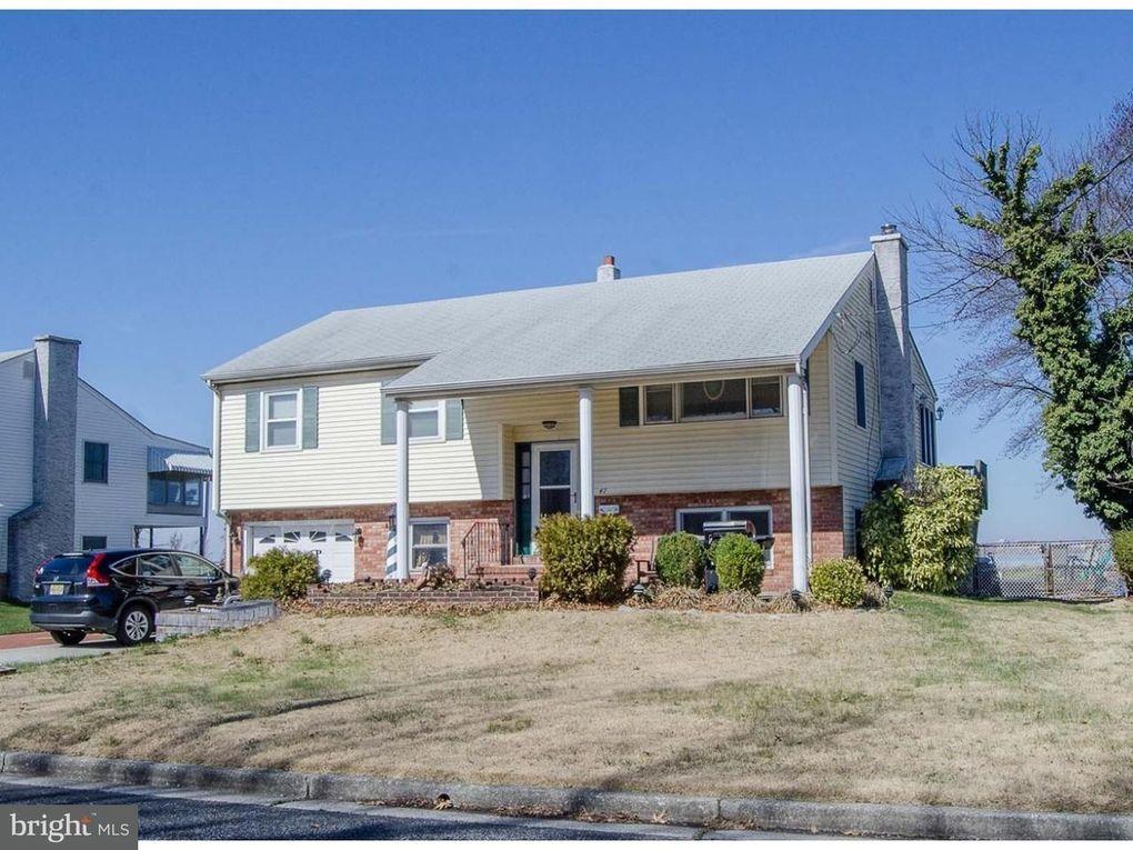 47 Delaware Dr, Penns Grove, NJ 08069