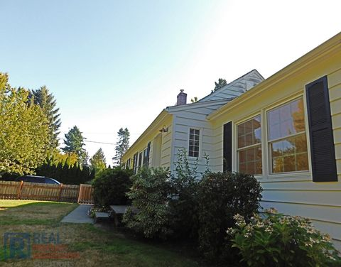 Photo of 3805 Sw 78th Ave, Portland, OR 97225