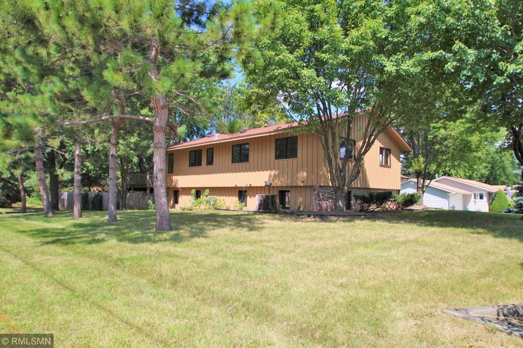 9518 Stanley Ave S, Bloomington, MN 55437