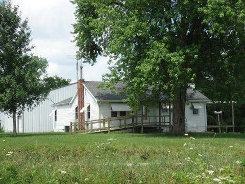 2001 E 800 North Rd, Shelbyville, IL 62565