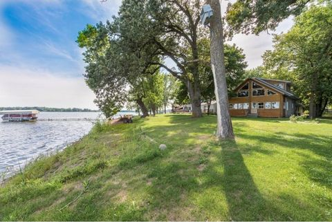 26997 Jonquil Dr, Chisago City, MN 55013