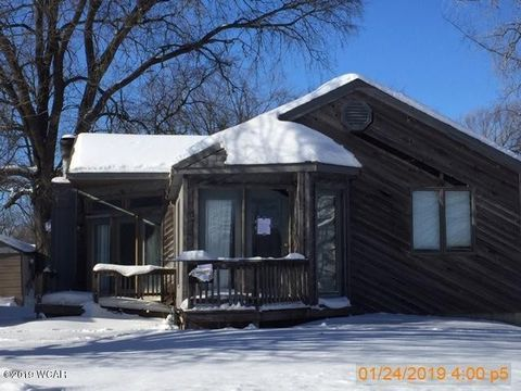 Photo of 1452 11th Ave, Windom, MN 56101