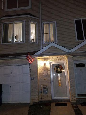 19 Gil Ct, Staten Island, NY 10312
