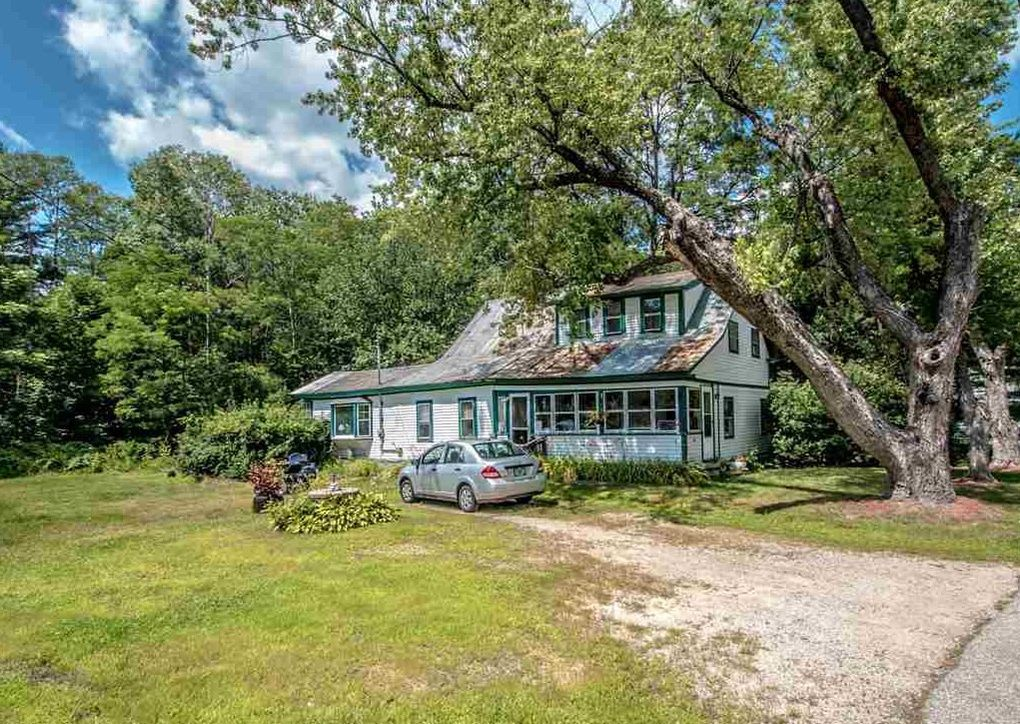 86 Allens Siding Rd, Conway, NH 03818