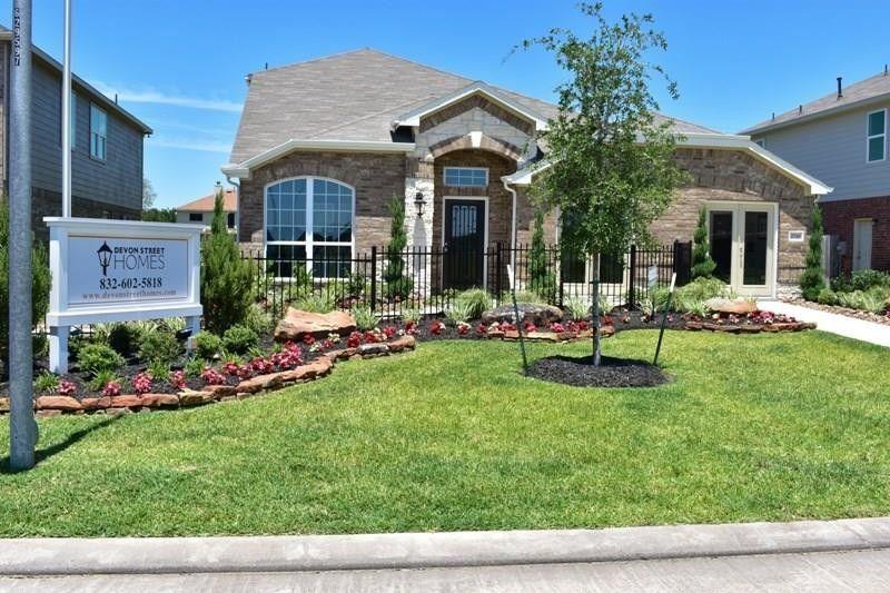 2710 Glenfield Manor Ln Houston, TX 77014