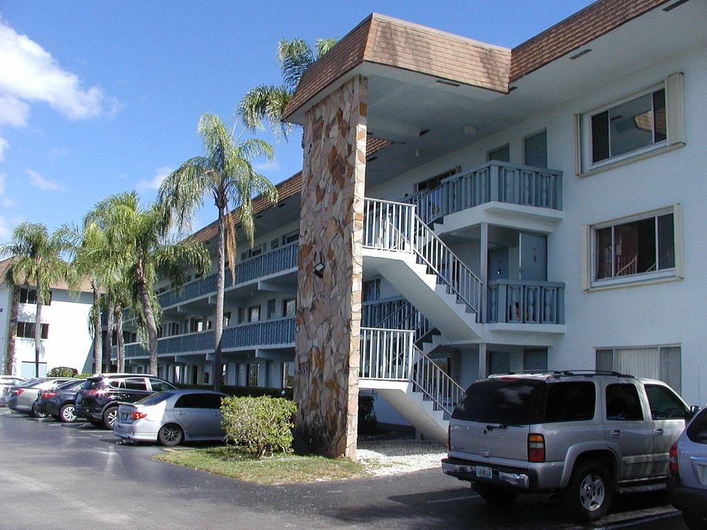 2200 Springdale Blvd Apt 318, Palm Springs, FL 33461