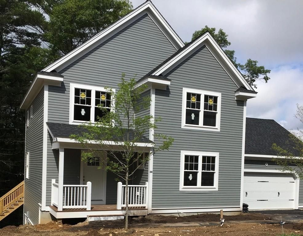 34 Christmas Tree Ln, Kingston, MA 02364