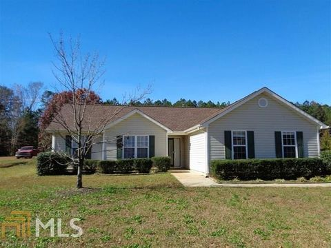 Photo of 405 Peeks Crossing Dr, Senoia, GA 30276