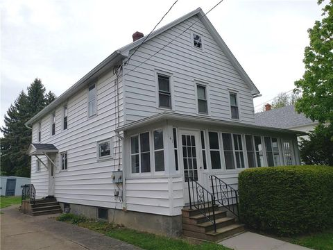 Photo of 141 Lord St, Dunkirk, NY 14048