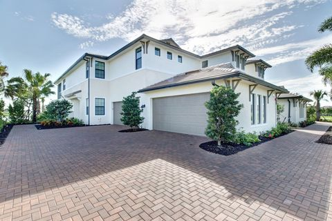 Photo of 2141 Frangipani Cir # 4-201, Naples, FL 34120