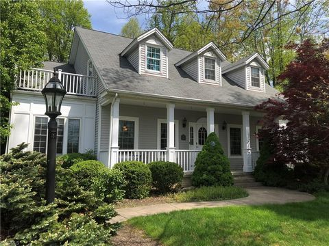 Photo of 101 Cheshire Rd, Hudson, OH 44236