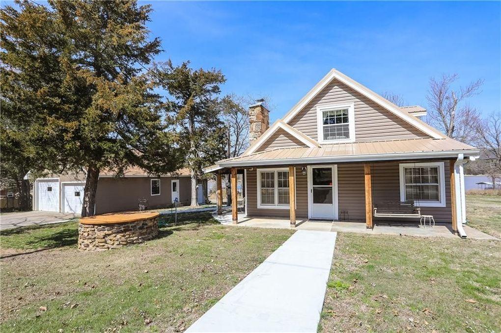12397 Ranch Rd, Lowell, AR 72745