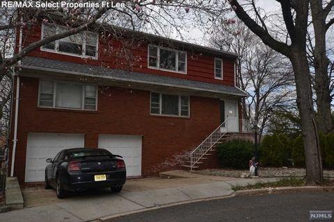 397 Bernard Pl Unit 2 Nd, Ridgefield, NJ 07657