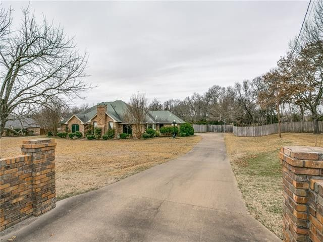 511 Winding Creek Trl Oak Leaf, TX 75154
