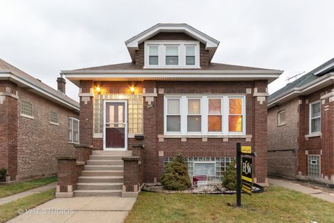 Photo of 2445 Euclid Ave, Berwyn, IL 60402