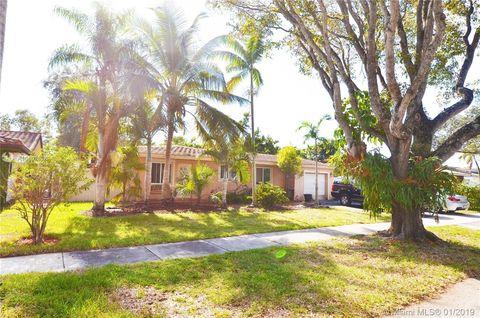 6530 Lake Como Ter, Miami Lakes, FL 33014