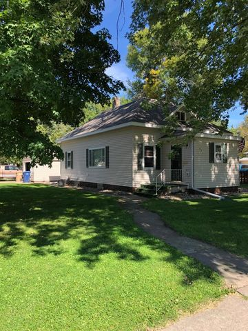 Photo of 803 1st Ave Se, Watertown, SD 57201