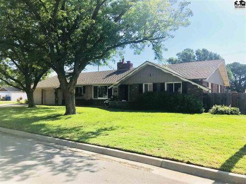 204 S Washington Ave, Moundridge, KS 67107