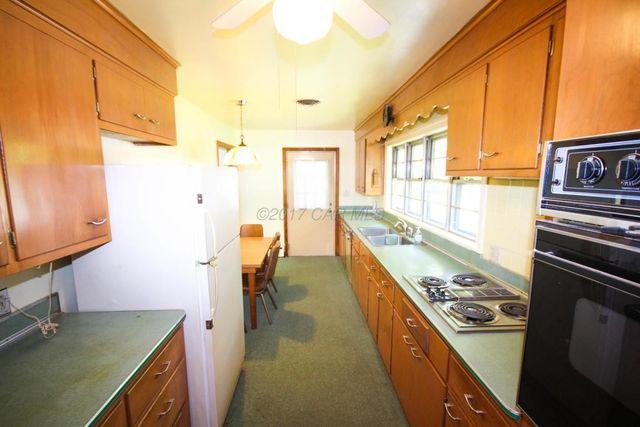 1300 Sylvia St Salisbury Md 21804 Kitchen