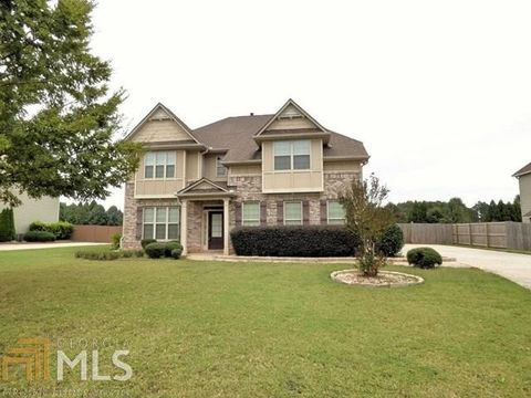 Hampton GA Homes With Special Features