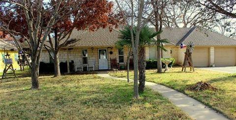 412 S Walnut St, Eastland, TX 76448
