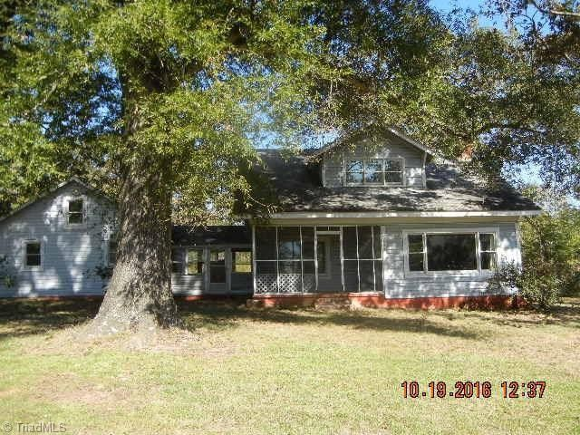 6843 Old US Highway 421 Bear Creek, NC 27207