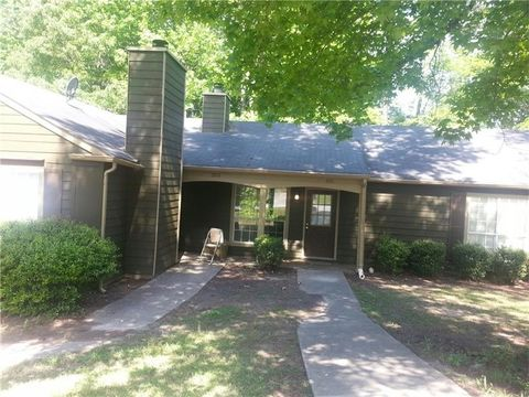 5513 Glen Haven Dr Atlanta GA 30349