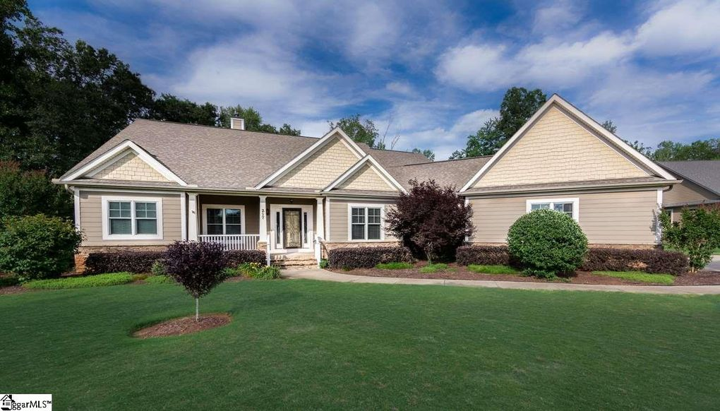 217 watkins farm dr greer sc 29651 for Farm style homes for sale