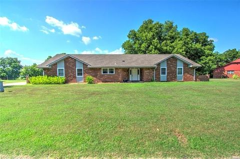Photo of 1508 Bowden Pl, Fort Gibson, OK 74434