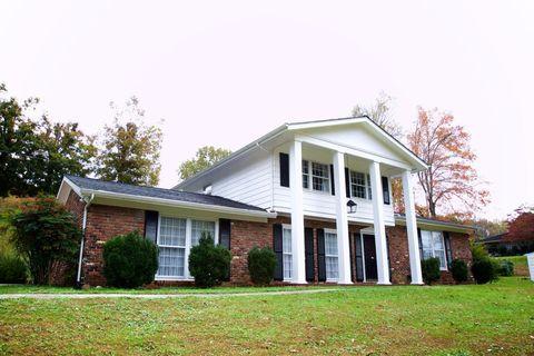 205 Oak Tree Dr, Oliver Springs, TN 37840