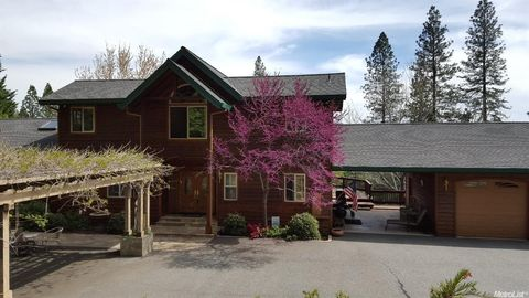 15268 Airport Rd, Nevada City, CA 95959
