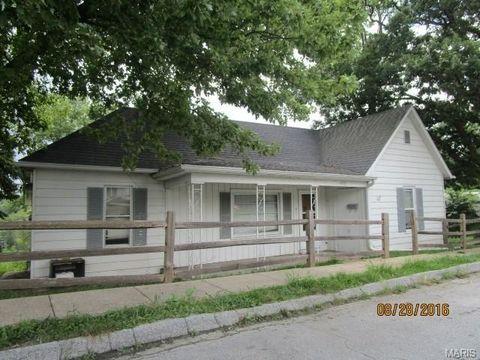 1631 Booker St, Hannibal, MO 63401